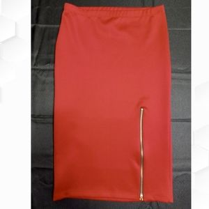 Discreet USA dark red midi skirt